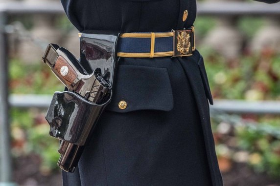 sig sauer m17 ceremonial pisto m17 tomb of the unknown soldier pistol carried by sentinals tactical gun blog firearmblog 40sw attackcopter 6