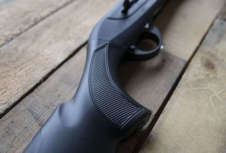 weatherby 18I Synthetic semi automatic 12 guage shotgun weatherby sporting clays  5.jpg