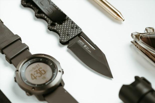 sog knives ultra C-TI blackout knife folding knife ultra light blade for carry  1.jpg