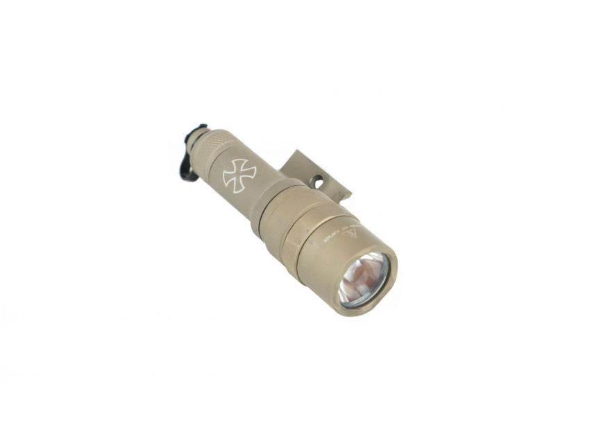 noveske peq15 laser light mounts directly to the PEQ super tight to rail surefire light 4