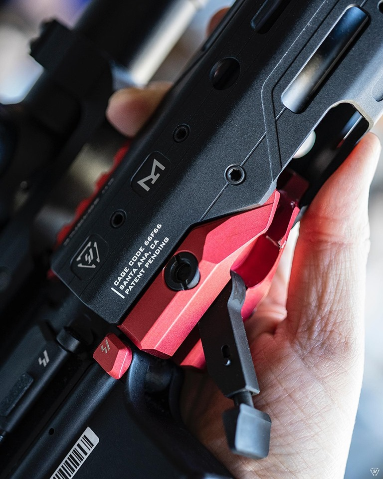 strike industries GRIDLOCK ar15 handguards quick detach ar rail for cleaning and to switch handguards fast.  1.jpg