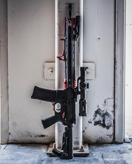 strike industries GRIDLOCK ar15 handguards quick detach ar rail for cleaning and to switch handguards fast